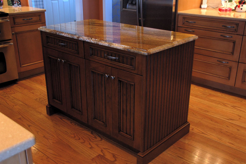 Cabinet Tops : Maple Cabinets ? Quartz Countertops ? Maloney Contracting